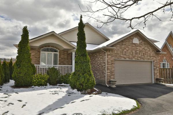 6044 Montrose Rd, Niagara Falls