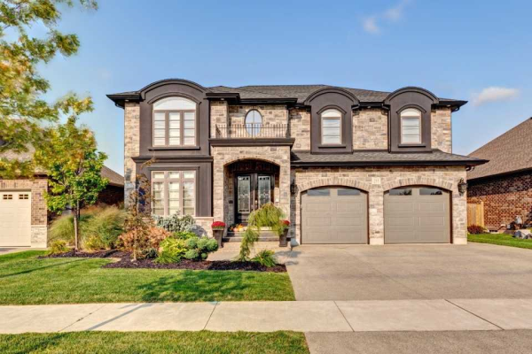 255 Colbeck Dr, Welland