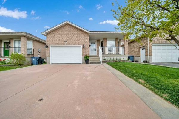 882 Paisley Rd, Guelph