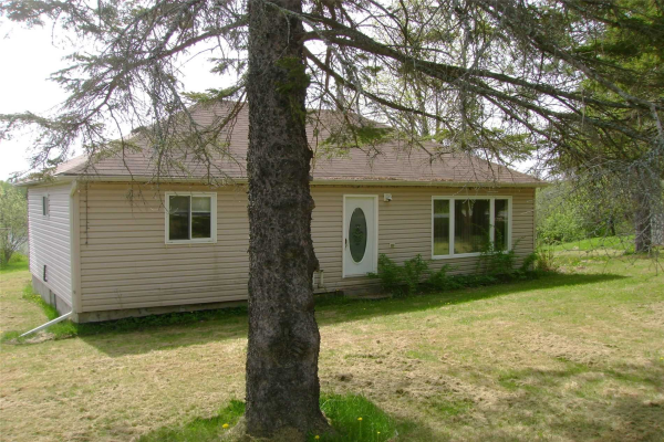 62 Clear Lake Rd, Parry Sound Remote Area