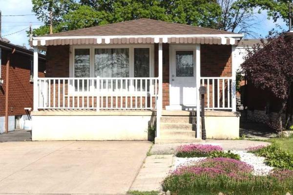 70 Ellis Ave Ave, Hamilton