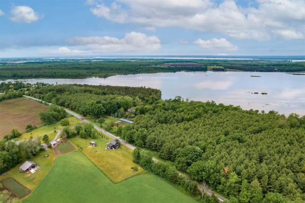 382 Fish Lake Rd, Prince Edward County