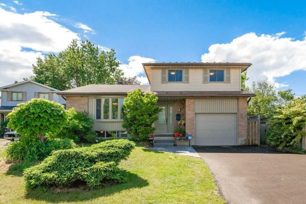 7 Hollyberry Pl, Guelph