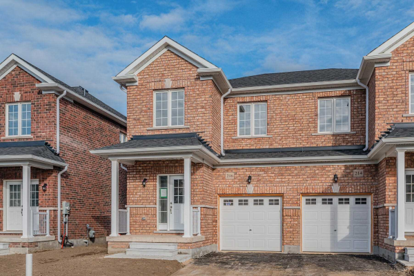 216 Ridley Cres, Southgate