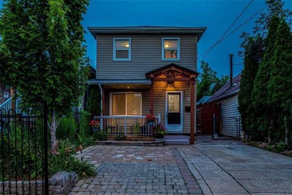 102 Robins Ave, Hamilton
