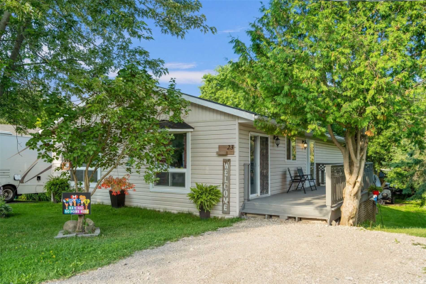 23 Leeson St N, East Luther Grand Valley