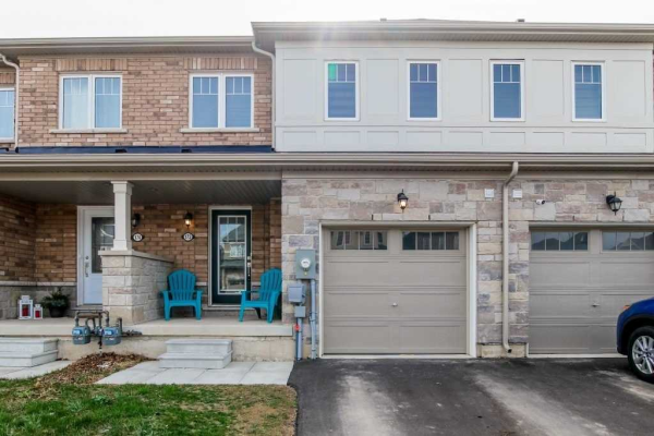 172 Esther Cres, Welland