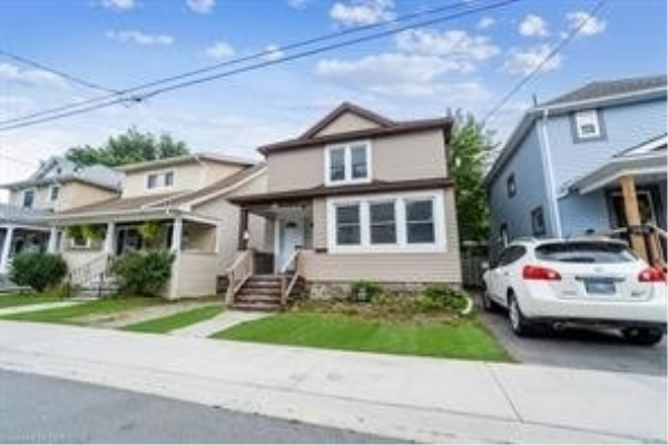 104 Lowell St, St. Catharines