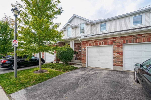 151 Clairfields Dr E, Guelph