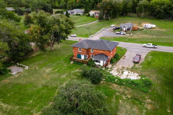 2242 County Road 3 Rd, Prince Edward County