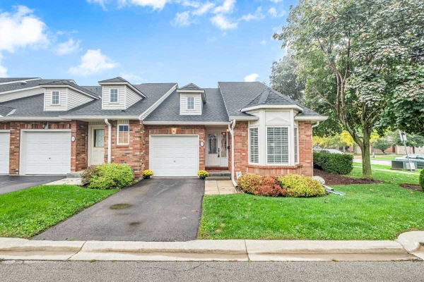 222 Fellowes Cres