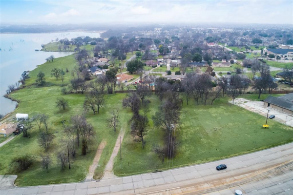 6831 Lakeview Parkway, Rowlett