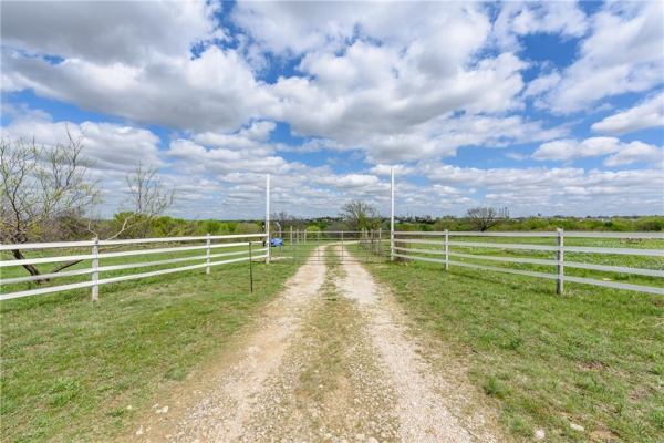7350 Lake Country Drive, Fort Worth