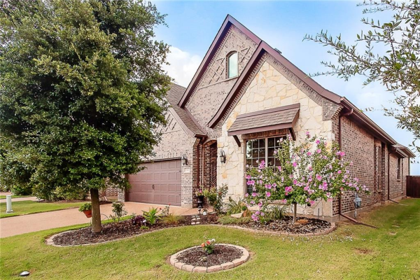 1041 Dunhill Lane, Forney