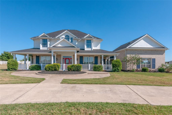 1009 Round Hill Road, Fort Worth