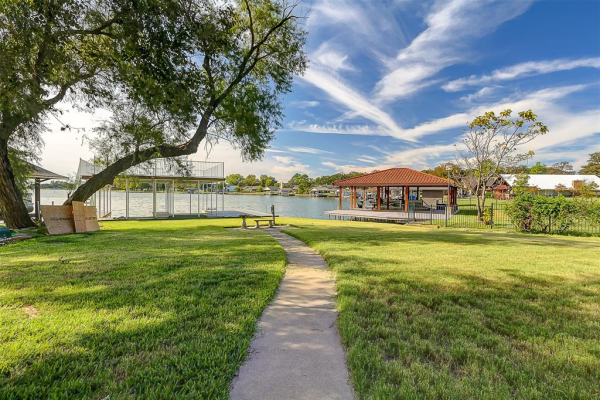 103 Sarsi Cove, Lake Kiowa