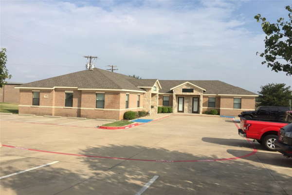 809 Office Park Circle, Lewisville
