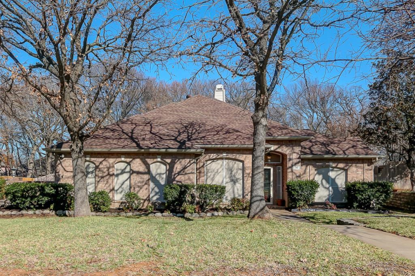717 Red Oak, Crowley