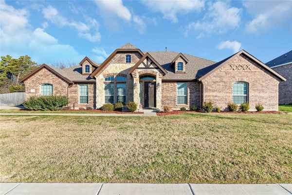 1253 Carriage Creek Drive, DeSoto