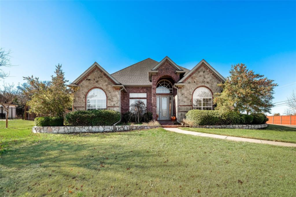 6900 Hollow Oak Trail, Mansfield