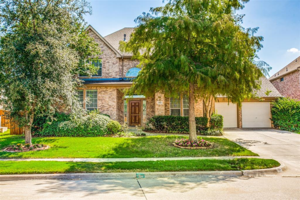 2467 Waterside Drive, Grand Prairie