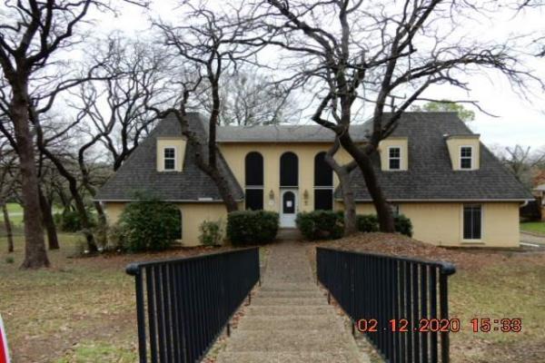 1810 Southpark Drive, Arlington