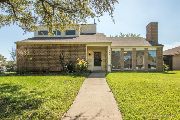 702 Brookdale Circle, Garland