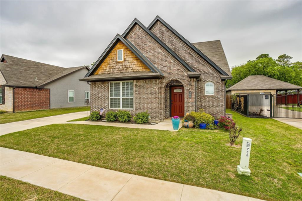 300 Tinker Trail, Burleson