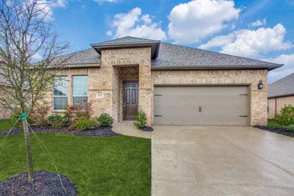 588 Spruce Trail, Forney