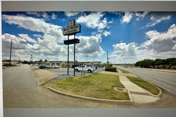 301 Euless Boulevard, Euless