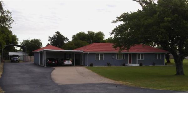 1011 Wintergreen Road, Cedar Hill