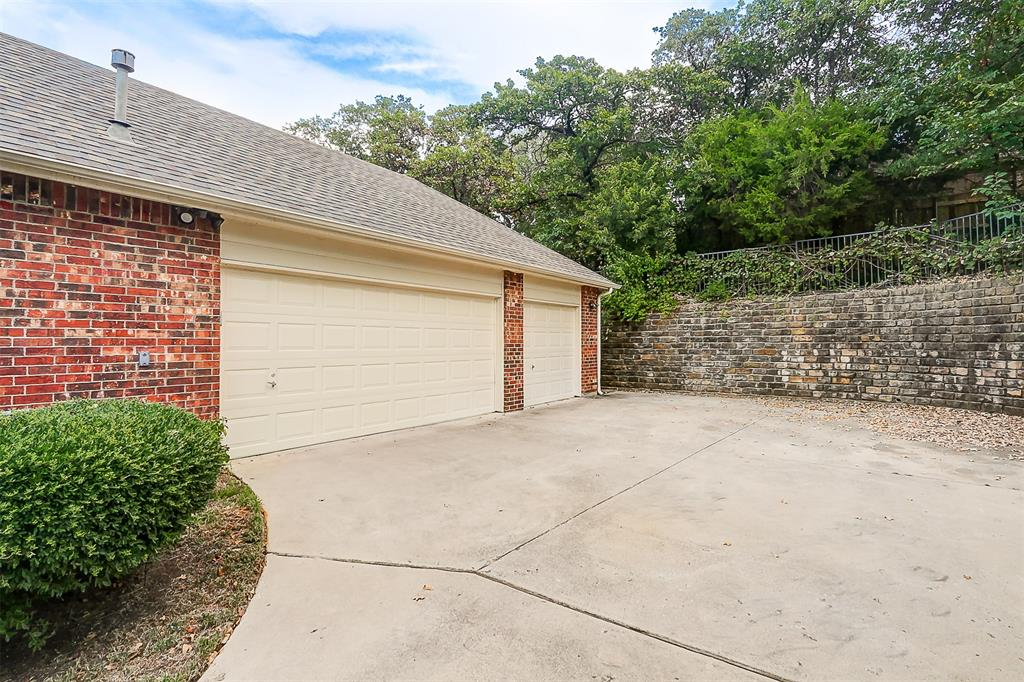 Listing 14339772 - Thumbmnail Photo # 3