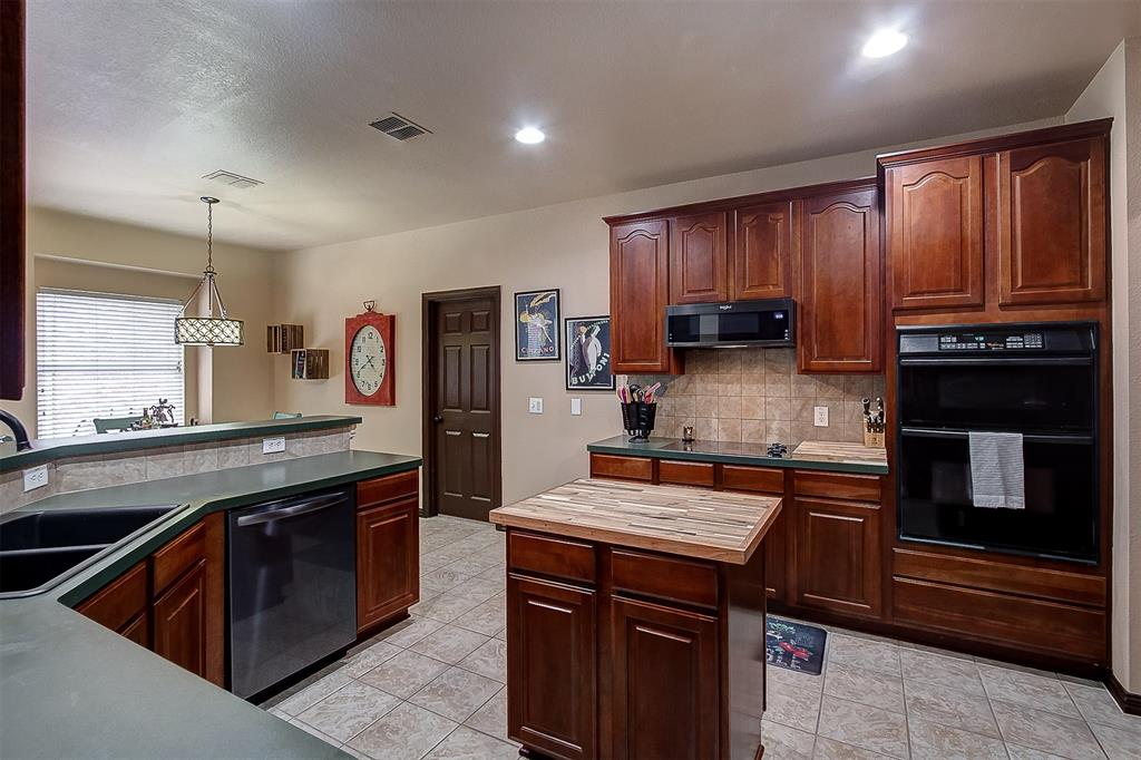 Listing 14339772 - Thumbmnail Photo # 14