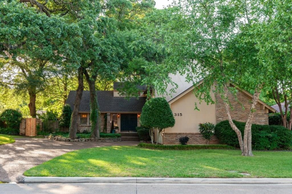 1315 CLOVER HILL Road, Mansfield
