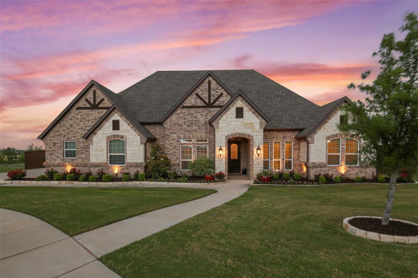 300 Tamiami Trail, Haslet