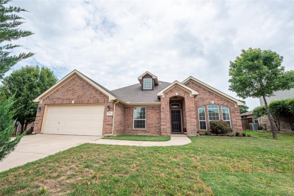 922 Randall Road, Weatherford
