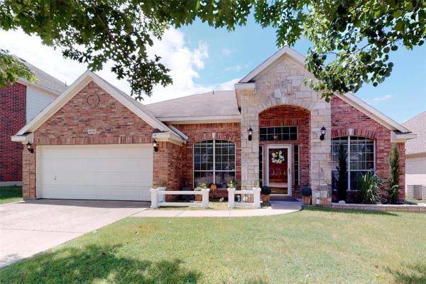 4709 Pine Ridge Lane, Fort Worth