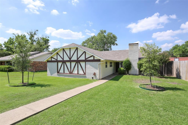 2705 Laurel Lane, Plano