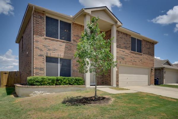 624 Woodpecker Lane, Fort Worth