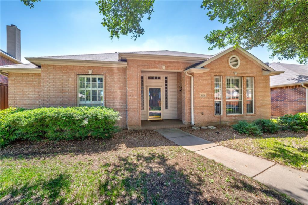 5820 Sycamore Bend Lane, The Colony