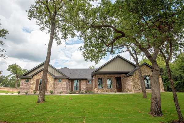 1780 W Dry Creek, Peaster