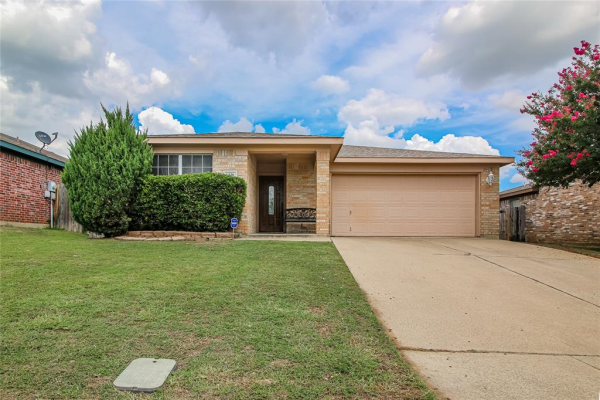 6436 Stonewater Bend Trail, Fort Worth