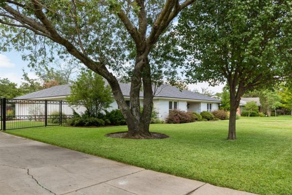 7012 Serrano Drive, Fort Worth