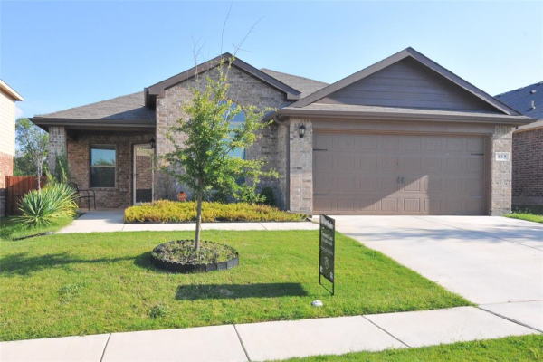657 Creekview Drive, Azle
