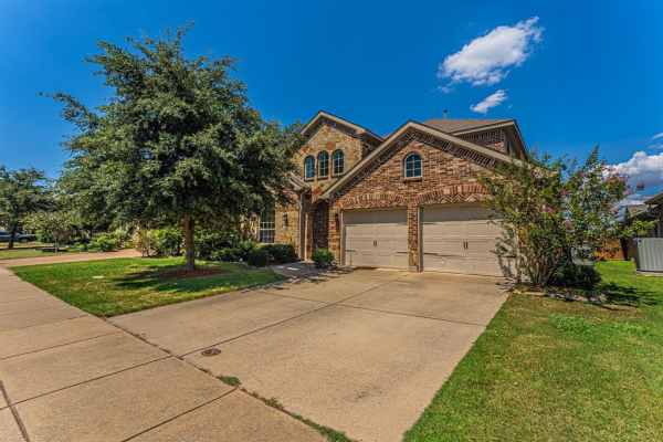 1002 Wedgwood Drive, Forney
