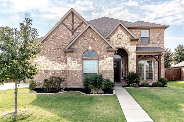 214 Trophy Trail, Forney