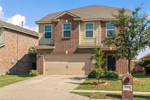 4725 Winding Hollow Drive, Fort Worth