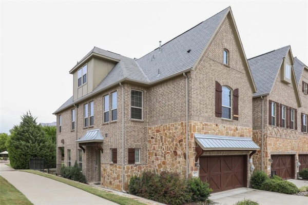 547 Reale Drive, Irving