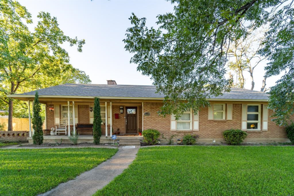 1635 Red Bird Lane, Dallas
