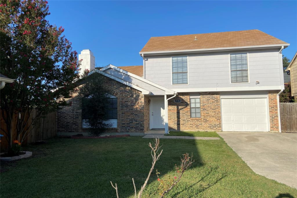 6703 Old Stone Drive, Fort Worth